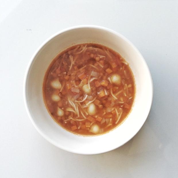 sopa de lentejas con pasta